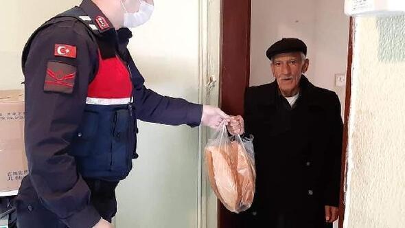 Vefa Sosyal Destek Grubu 65 yaş üzeri vatandaşların ihtiyaçlarını karşılıyor