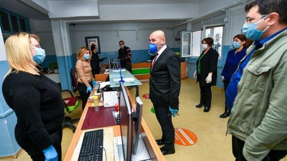 Başkan Soyerden, çalışanlara moral ziyareti