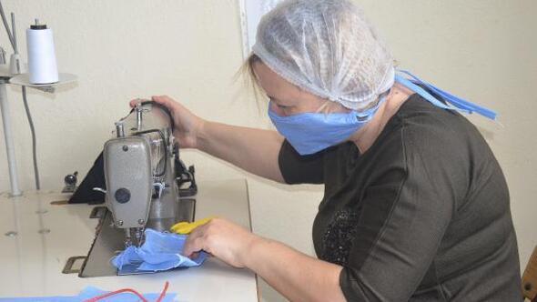 Okulda yıkanabilir maske üretimine başladılar