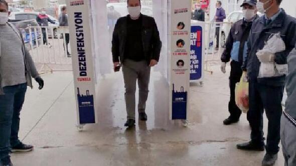 Didimde pazaryerlerinde dezenfektan tünelli önlem