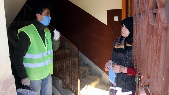 Geredede 100 bin maske dağıtıldı