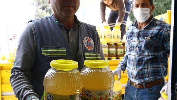 Çiftçilerin korkulu rüyasına karşı, 30 bin litre elma sirkesi dağıtıldı