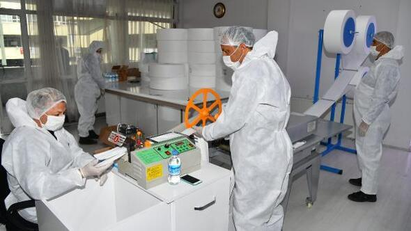 Ispartada günde 20 bin maske üretiliyor