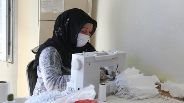 Eyyübiye belediyesi130 bin maske üretimi yaptı