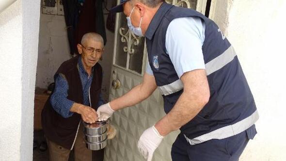 Hisarcık belediyesinden ihtiyaç sahiplerine evlerinde yemek servisi