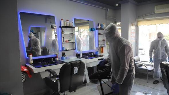Kayseride berber ve kuaförler dezenfekte ediliyor