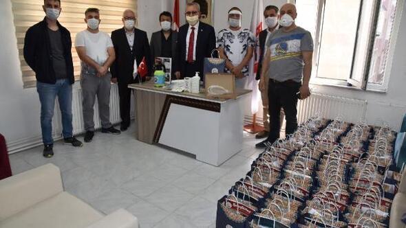 Keşan Belediyesi, berber ve kuaförlere dezenfektan ürünleri dağıttı