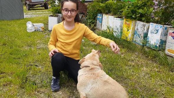 Minik Beren, kısıtlama sonrası köpeği Fındıka koştu