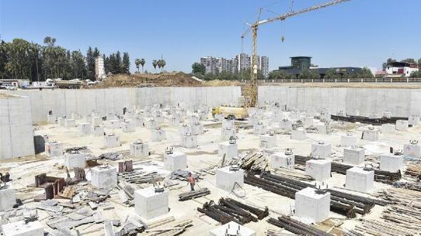 Güney Seyhan Devlet Hastanesi'nin yapımı sürüyor