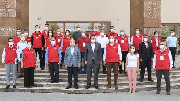 Adana Valisi Demirtaş: Vefa Sosyal Destek Grubumuzun yanındayız