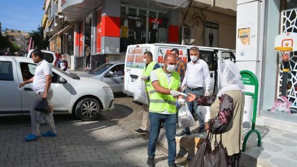 Vefa ekibi, Silopide 90 bin maske dağıttı