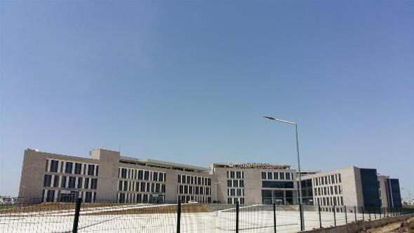 Ceyhan Devlet Hastanesinin yeni binası açılışa hazırlanıyor