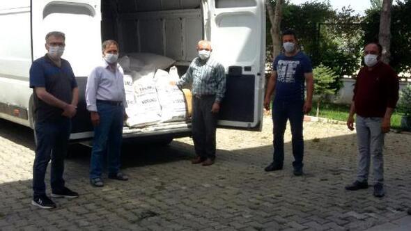 Gedizde 80 çiftçiye korunga tohumu dağıtıldı