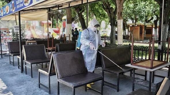 Kuşadasında kafe ve restoranlar normalleşme sürecine hazır