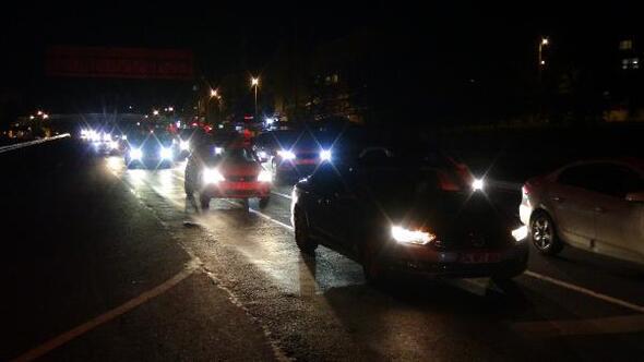 Silivride seyahat kısıtlamasının kalkmasıyla trafik yoğunluğu oluştu