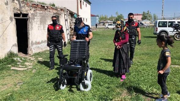 Polisler, Filizin akülü araba hayalini gerçekleştirdi
