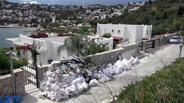Özdilin villasındaki kaçak eklentilerin yıkımı sürüyor
