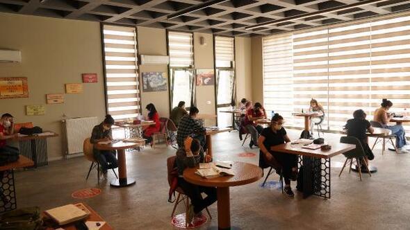 Diyarbakırdaki kütüphaneler kapılarını açtı