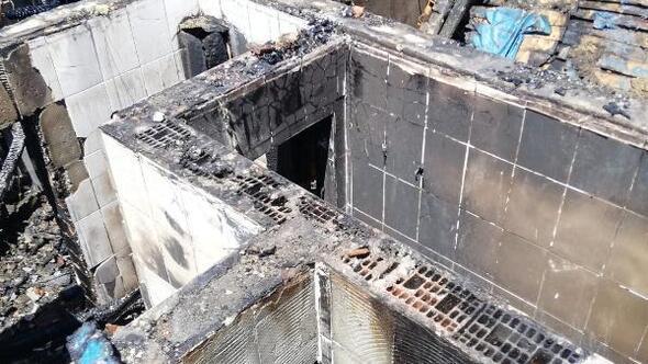 Ermenekte bir ev tamamen yandı