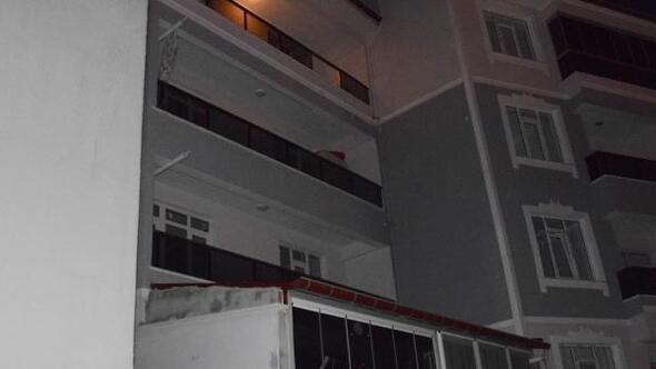 3 yaşındaki Elisa, 4üncü katın balkonundan düştü