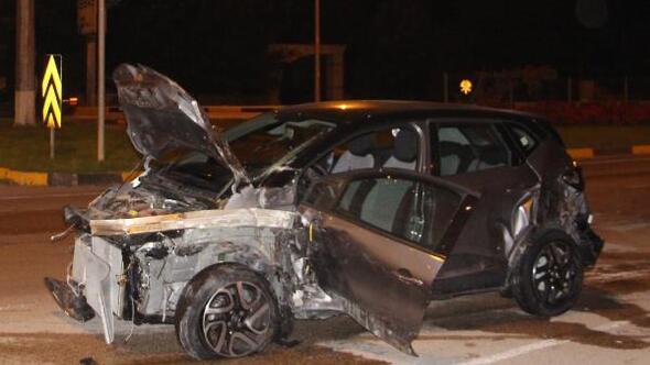 TIRla otomobil çarpıştı