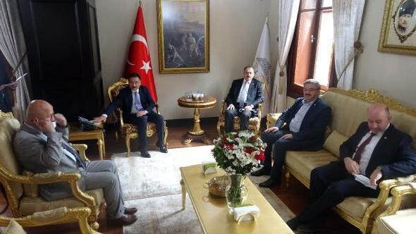 AK Parti heyetinden Vali Çiçeke hayırlı olsun ziyareti