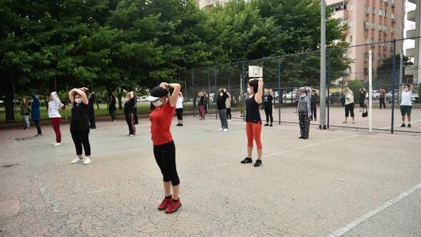 Adanalılar açık havada spor yapıyor