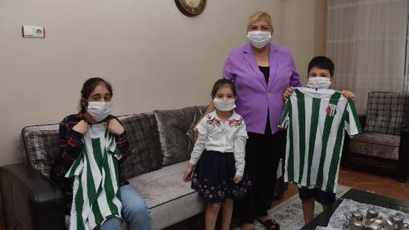 Başkan Erdem, zor koşullarda çocuk yetiştiren babaları unutmadı