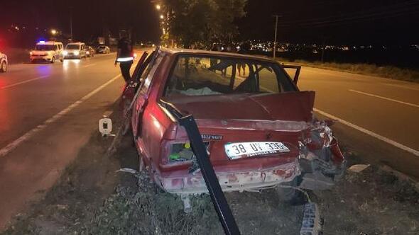 Gemerekta TIR ile otomobil çarpıştı: 2 yaralı