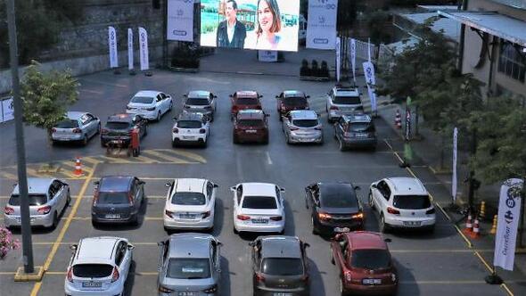 Açık havada arabalı sinema keyfi