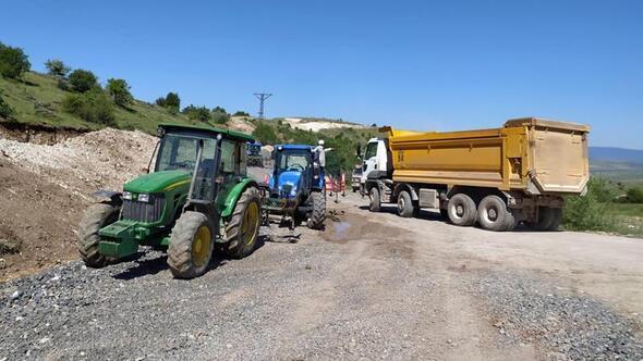 Köy yolunda 'ağır' hasar