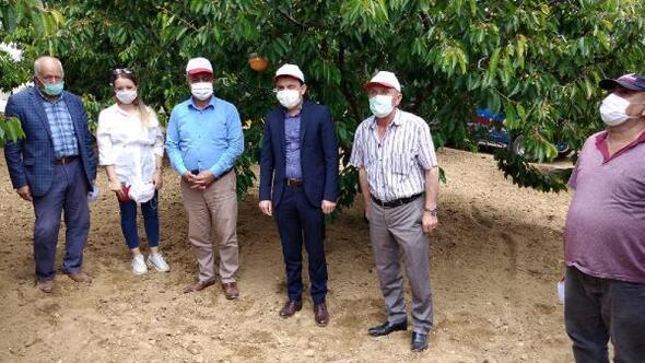 Ulukışlada çiftçilere Akdeniz meyve sineği tuzağı dağıtıldı