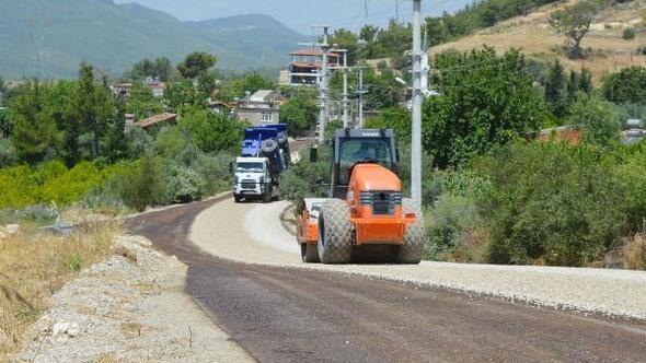 Manavgat Güzelyalı grup yolları asfalt çalışması