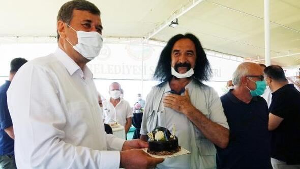 Barış Manço lakaplı meclis üyesine sürpriz doğum günü kutlaması