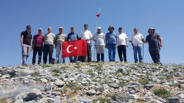 2675 rakımlı zirvede Türk bayrağı