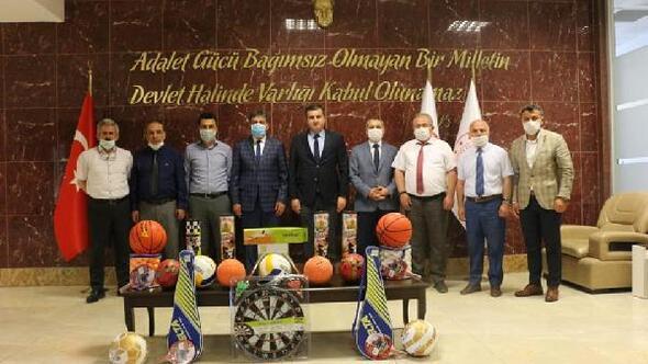 Hükümlü ve tutuklular için spor malzemesi desteği