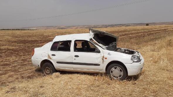 Besni'de otomobil şarampole devrildi: 3 yaralı
