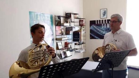 Trakya Üniversitesinden Cenk, Rusyadaki müzik yarışmasında derece aldı