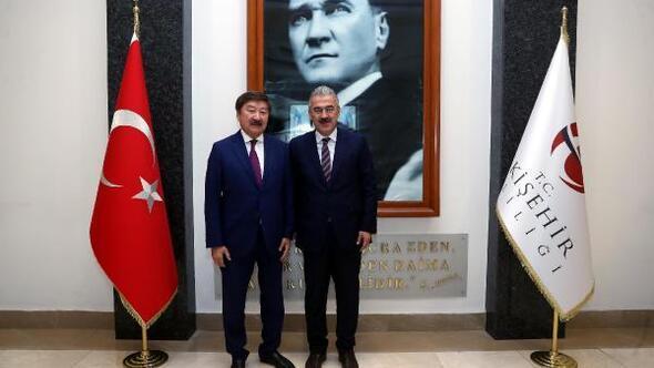 TÜRKSOY Genel Sekreteri Kaseinov, Vali Ayyıldızı ziyaret etti