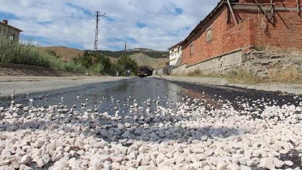 Turhalda yol asfaltlama çalışmaları tam hız sürüyor