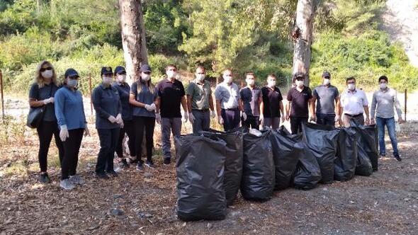 PTT Başmüdürlüğü çalışanlarından çevre temizliği etkinliği
