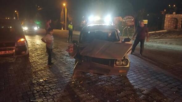 Besni'de iki kazada 3 kişi yaralandı