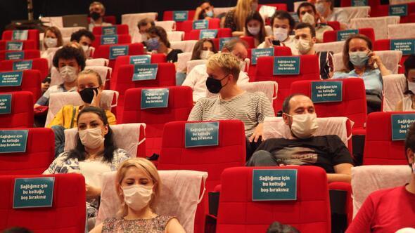 Her film bitiminde tüm sinema dezenfekte ediliyor