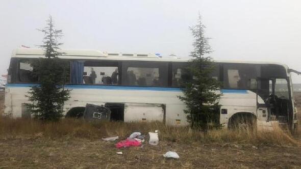 Kütahya'da devrilen otobüsteki 3 işçi yaralandı
