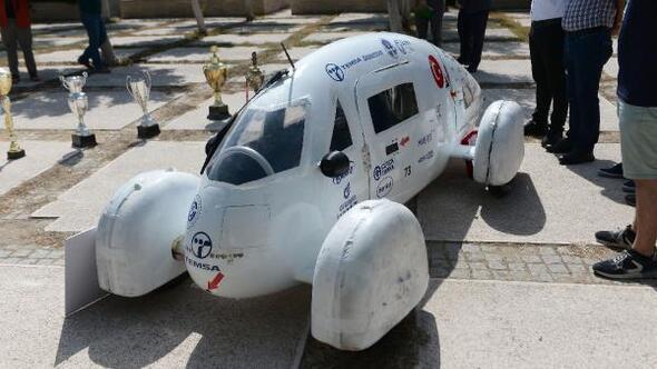 TEKNOFEST Elektrikli Otomobil Yarışında 2nci olan öğrenciler Rektör Tunceli ziyaret etti