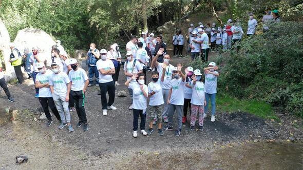 Gönüllülerden kanyon temizliği