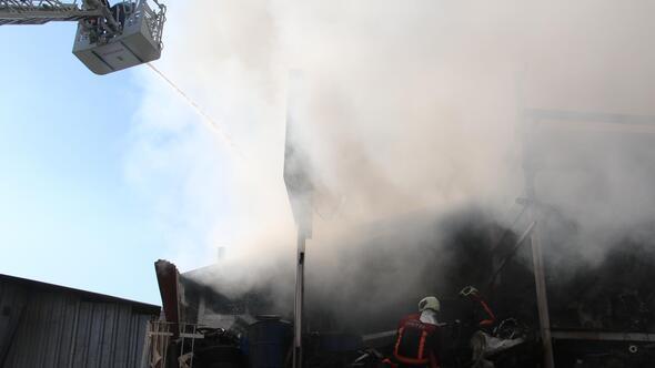 Sanayi sitesinde korkutan yangın