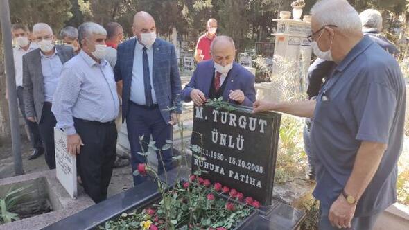 Turgut Ünlü, mezarı başında anıldı