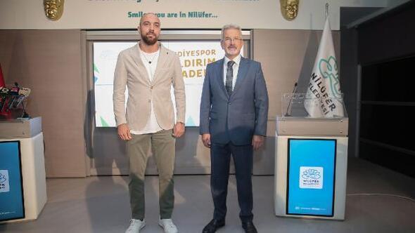 """""""Nilüfer Belediyespor Sercan Yıldırım Futbol Akademi"""" açılıyor"""