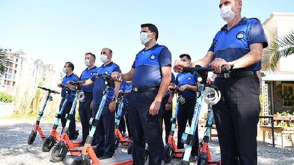 Tuzla zabıta ekipleri artık denetlemeleri elektrikli scooterlarla yapıyor